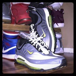 Nike Air Max Solas Grey / Volt Neon!!!!